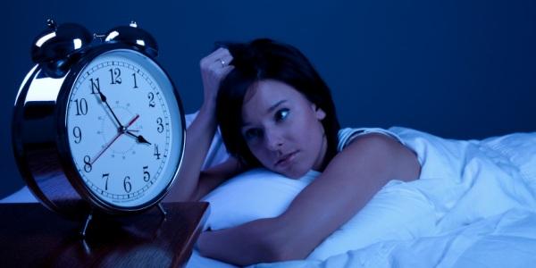 Bild: Zum Schlafmediziner oder ins Schlaflabor